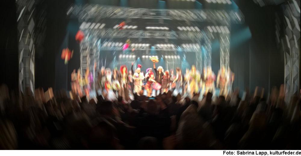 Bühne (Foto: Sabrina Lapp)