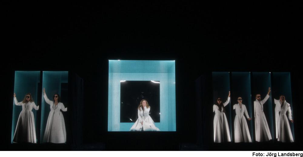 """""""Dido and Aeneas"""" (Foto: Jörg Landsberg)"""