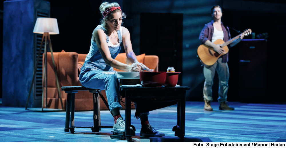 """""""Ghost"""" (Foto: Stage Entertainment / Manuel Harlan)"""