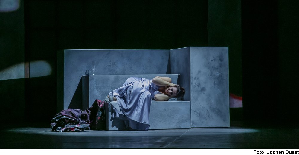 """La Traviata"" (Foto: Jochen Quast)"